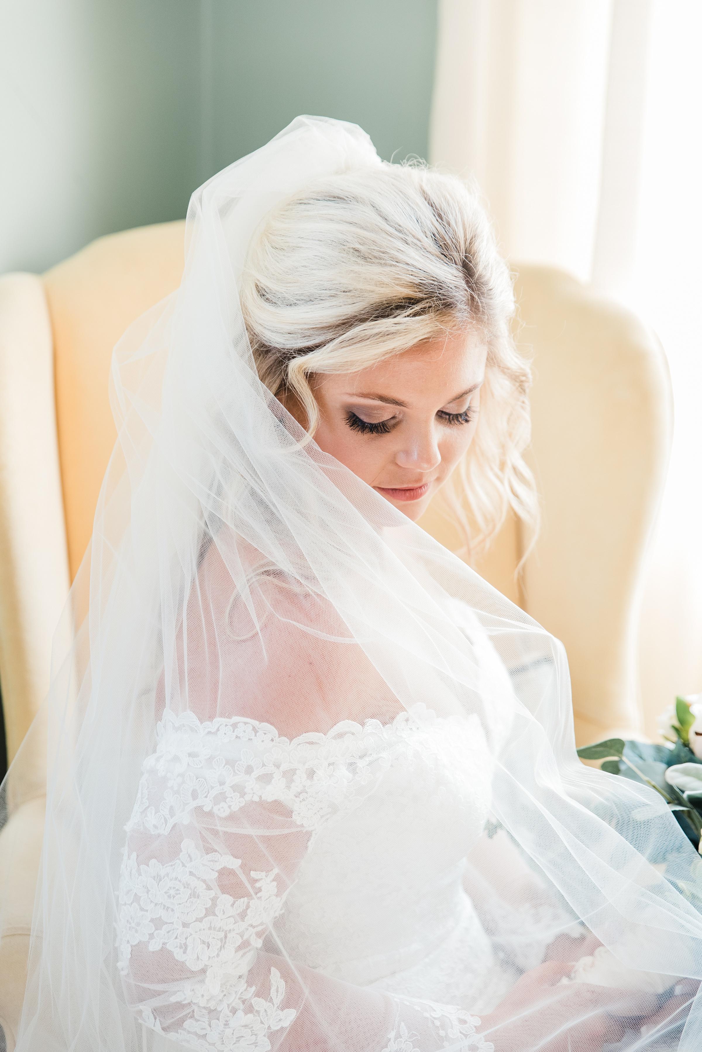 charleston sc bridal portrait session legare waring house wedding photographer